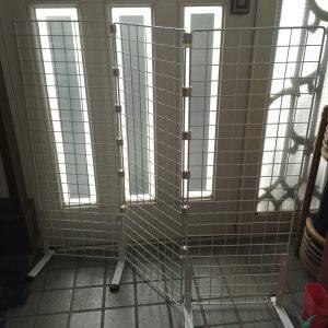 玄関用猫脱走防止簡易フェンス